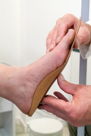 מתקן לכף הרגל מדרסים בהתאמה אישית